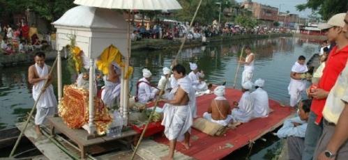 HeikruHidongba Festival Manipur