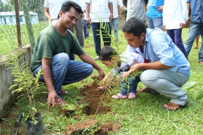 Tree planting and painting competition at Namdapha National Park on the occasion of World Tourism Day 2015
