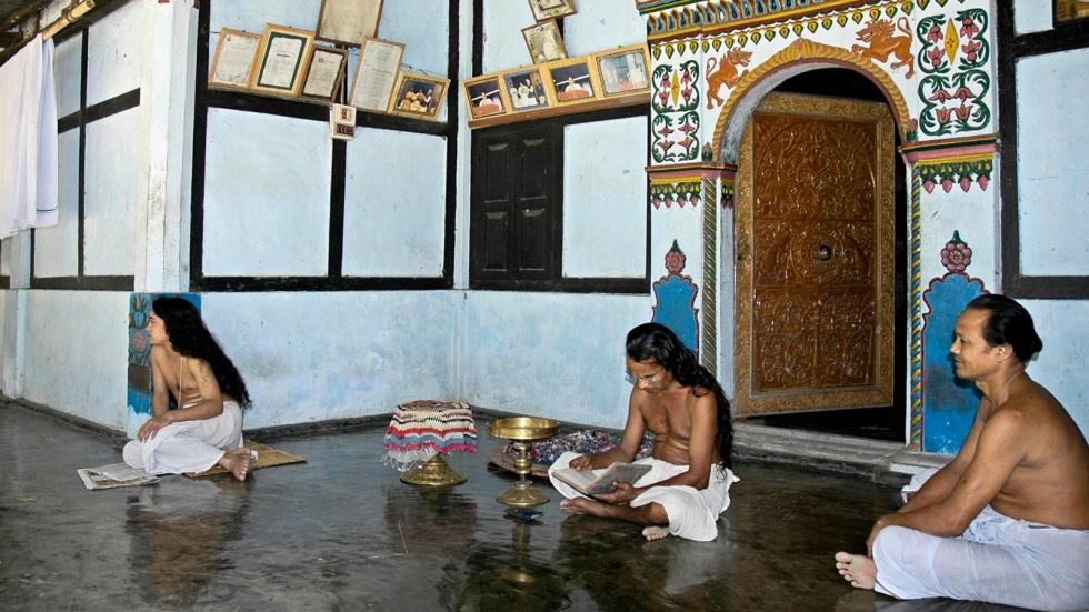 Vaishnava priests